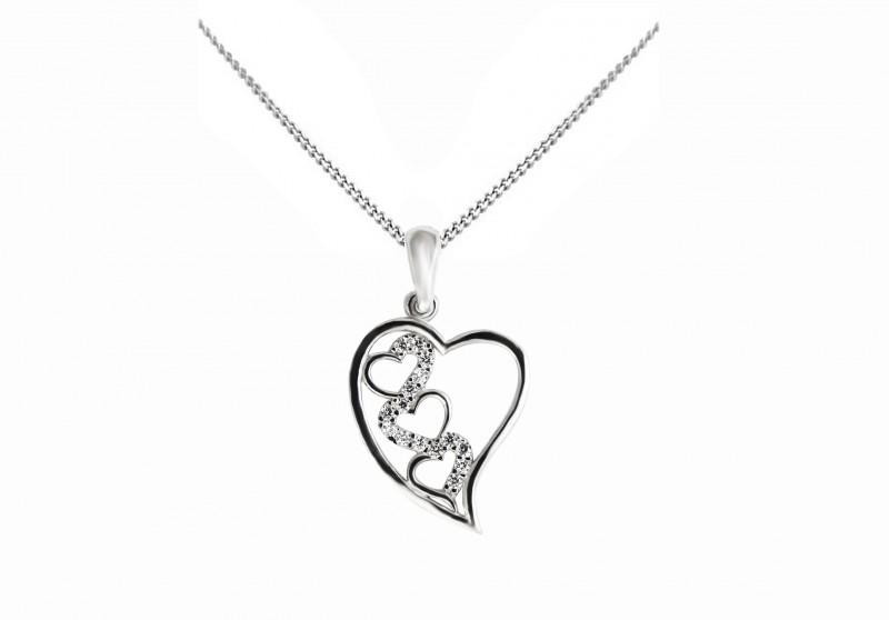 Luxusný prívesok srdce vrátane retiazky Kliknite pre detailný obrázok e281a2db1b0