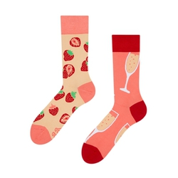 b654a38edeef Farebné ponožky Šampanské a jahody